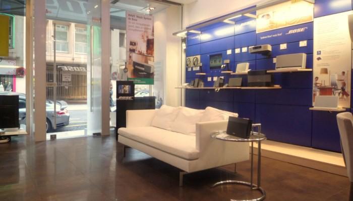 Alain cecchetti l architecte d 39 int rieur l bose store nice for Architecte interieur nice